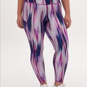 Nwt Torrid size 1 Active Wear Watercolor leggings